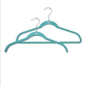 Bundles of 5 Huggable Hangers in Teal